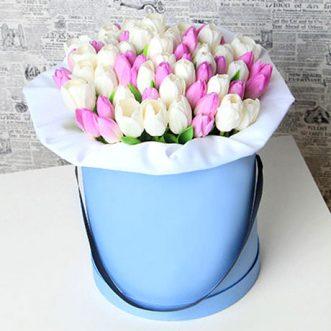 51 тюльпан в коробке