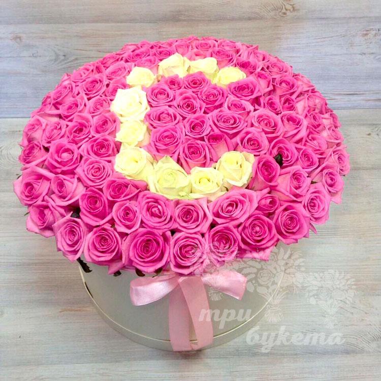 Буква из 101 розы коробке