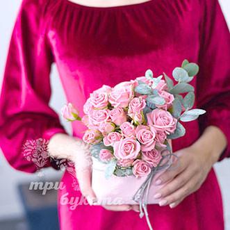 Мини-композиция из кустовых роз