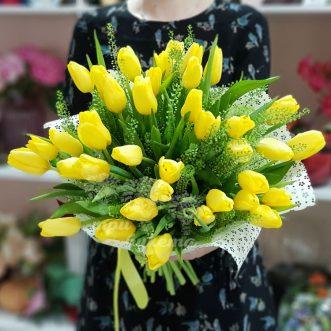 buket-iz-35Букет из 35 желтых тюльпанов-zheltyh-tyulpanov